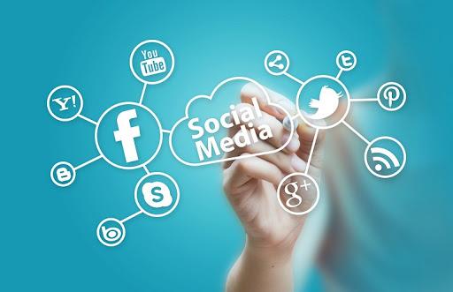 77 website Social Media